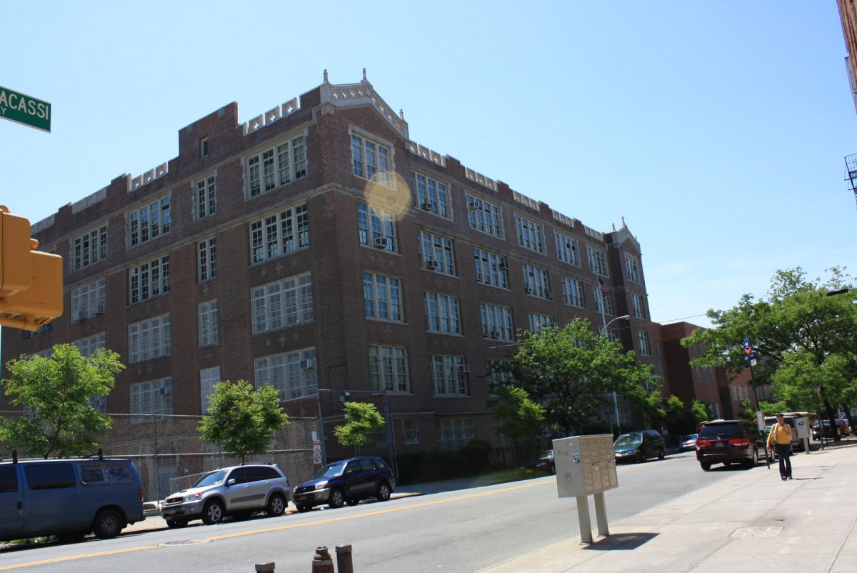 Crotona International High School